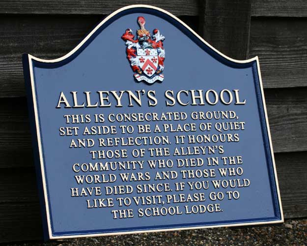 Alleyns School Signs